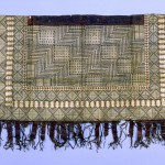 A salatasi or man's dance skirt from Wallis or Fatuna , two small islands which are noted for delicately  patterned tapa cloths. All photographs in this Article copyright Rheinisches Bildarchiv Köl,  .